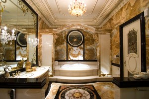 luxury-gilted-bathroom
