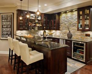 traditional-home-bar