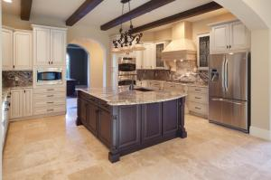DP_Jorge-Ulibarri-beige-old-world-kitchen-wood-beams_h.jpg.rend.hgtvcom.1280.853