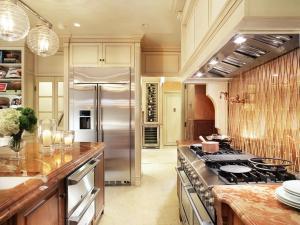 RS_Regina-Bilotta-Kips-Bay-Kitchen-4_s4x3.jpg.rend.hgtvcom.1280.960