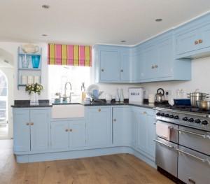 blue-kitchen-cabinets_300
