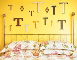 decorating-interiors-with-letters-25