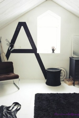 decorating-interiors-with-letters-37