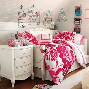 decorating-interiors-with-letters-42