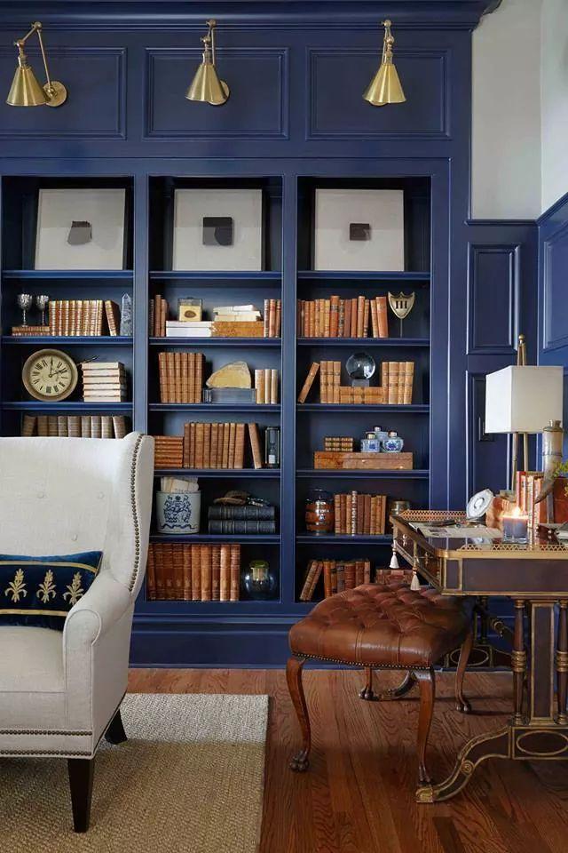 Синие шкафы в интерьере