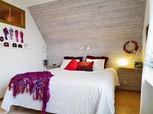 attic-room-23