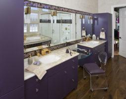 Фиолетовая ванная комната: магический оазис
