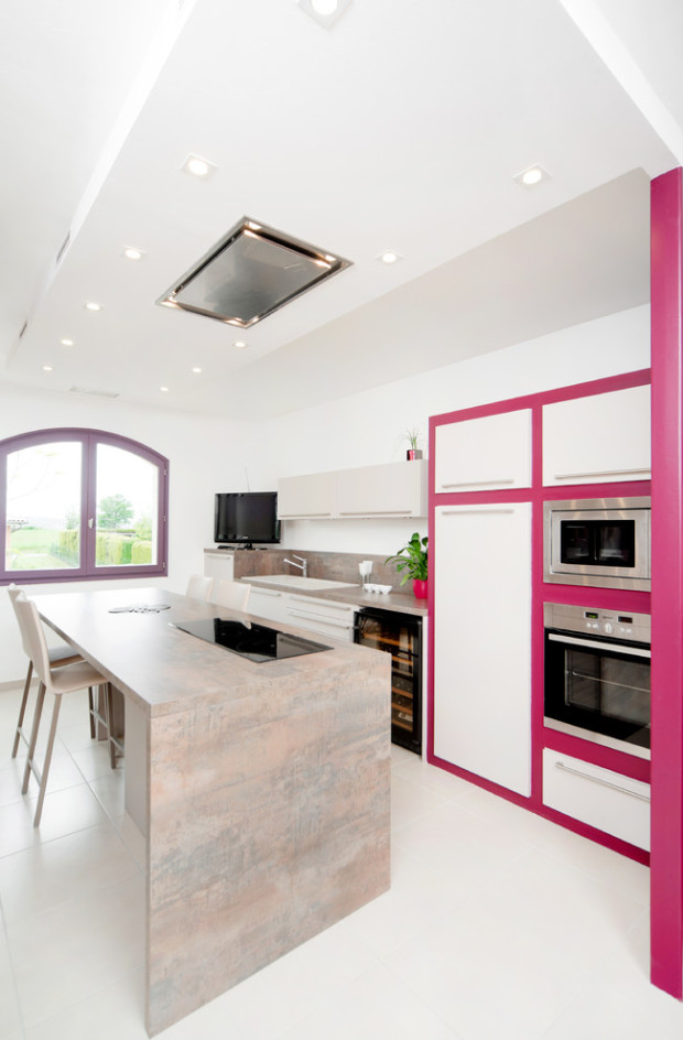 розовый в интерьере кухни