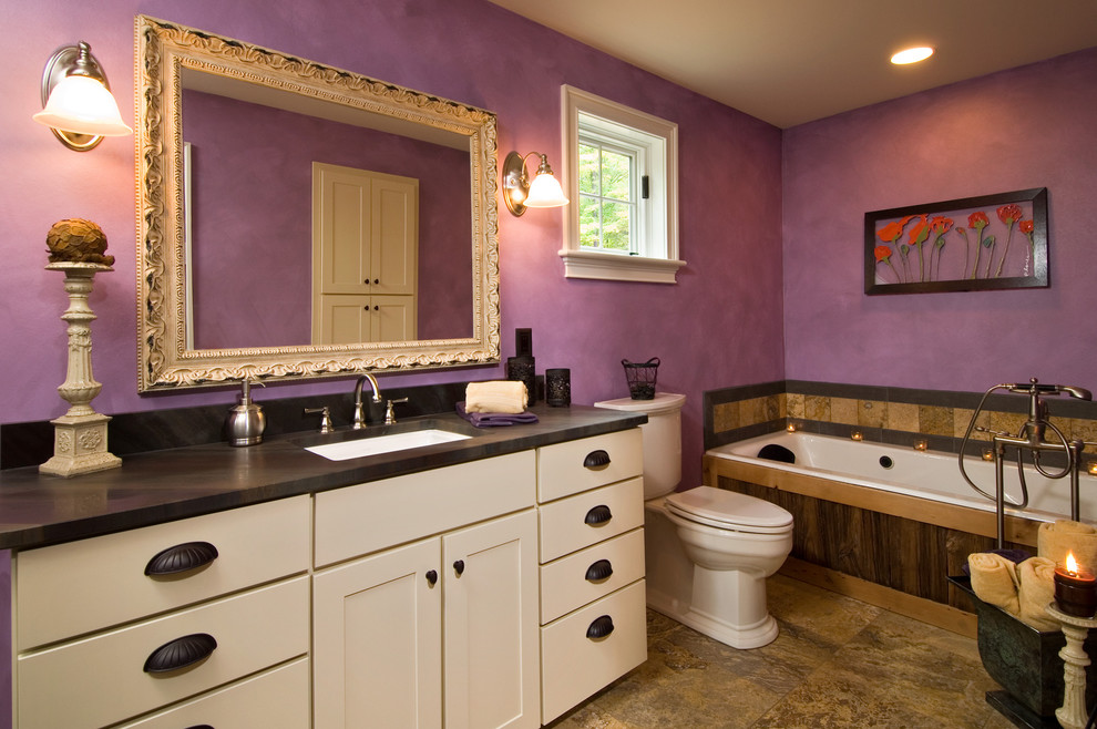 Фиолетовый цвет в интерьере ванной комнаты фото