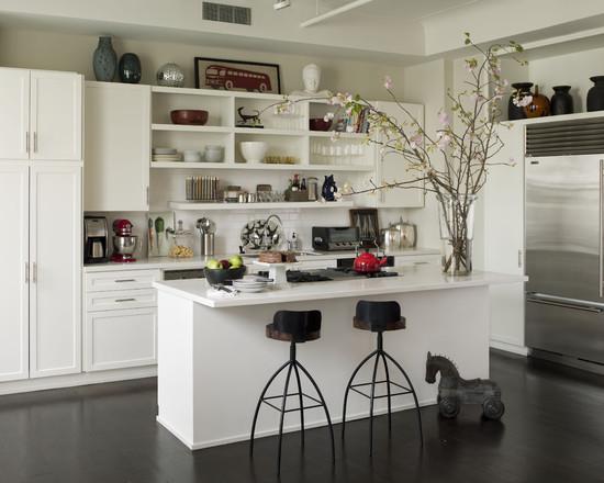открытая полка на кухне