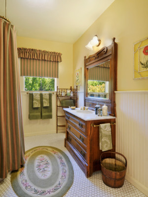 farmhouse-bathroom (2)