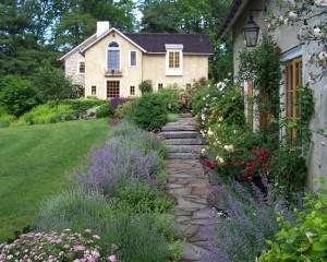 farmhouse-landscape (2)