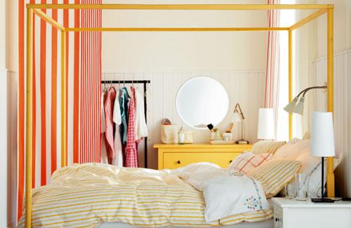 яркая спальня