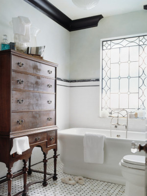 traditional-bathroom (1)