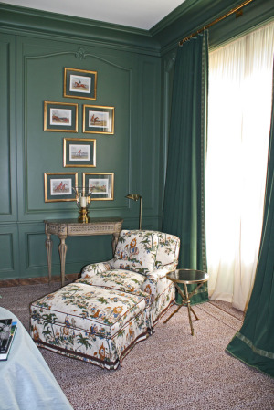 using-gold-in-interior-decorating-10