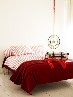 Красная спальня: утопия или реальность? 95 фото примеров