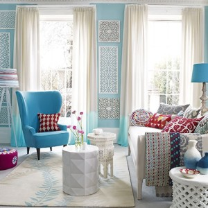Blue-and-white-living-room
