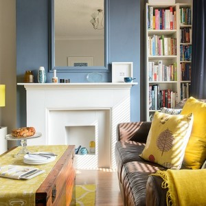 Blue-and-yellow-living-room