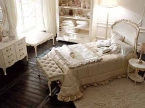 Classic-style-childs-bedroom
