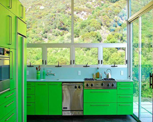 Green-color-to-use-in-bright-kitchen-ideas