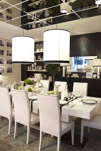 зеркальная потолочная плитка с росписью - нетривиальное решение для оформления интерьера гостиной