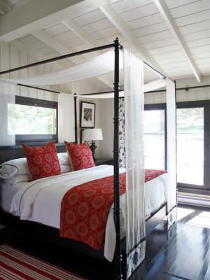 beach-style-bedroom (1)