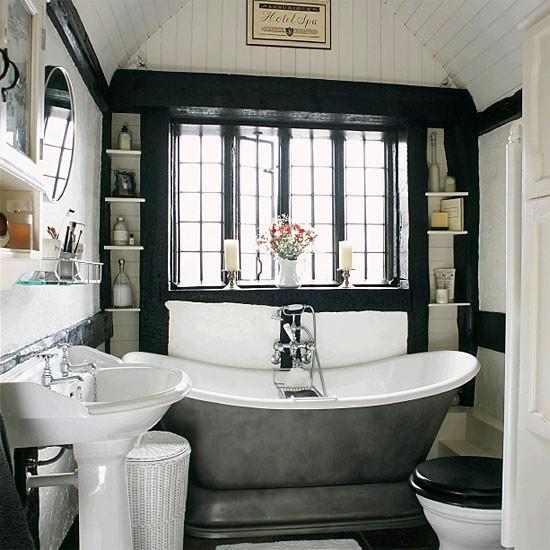 стильный интерьер ванной комнаты с окном фото 82048