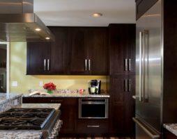 Коричневые кухни – «вкус» интерьера