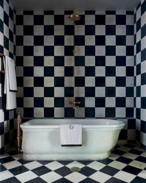 olatz-schnabel-black-white-tile-bath-remodelista