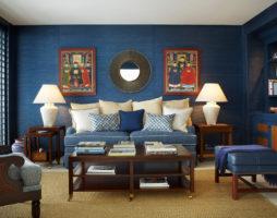 Синий цвет в декоре гостиной