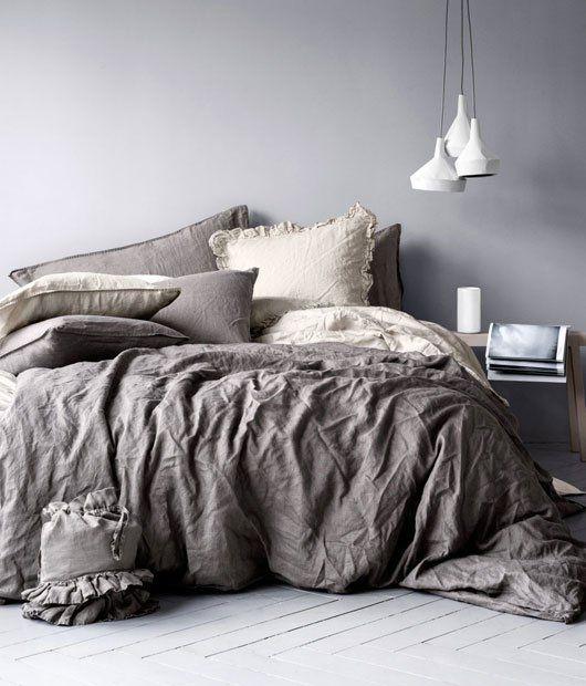 серая спальня