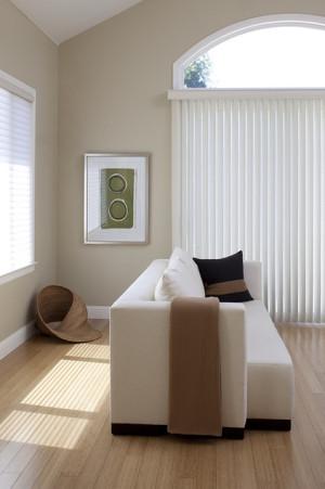 8711cfec0cc60a55_1000-w422-h634-b0-p0--contemporary-family-room