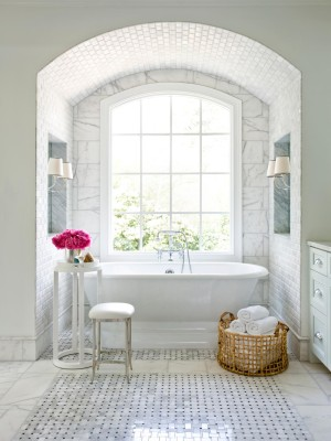 CI-mark-williams-marble-bathroom-bath-tub_s3x4.jpg.rend.hgtvcom.1280.1707