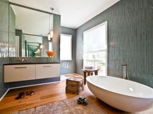 Original_Bathroom-Tile-Cortney-Bishop-Glass-Vertical-Tiles_s4x3.jpg.rend.hgtvcom.1280.960
