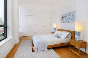 Urban-chic-bedroom-with-a-semi-minimal-approach