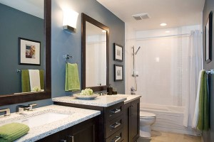 You-can-change-the-accent-color-in-this-modern-bathroom-by-simply-switching-the-towels