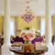 Милая гостиная в стиле Прованс