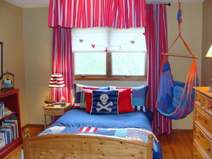 kids-room-baby-boy-marine-styled-interior-pirates-10