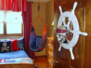kids-room-baby-boy-marine-styled-interior-pirates-12