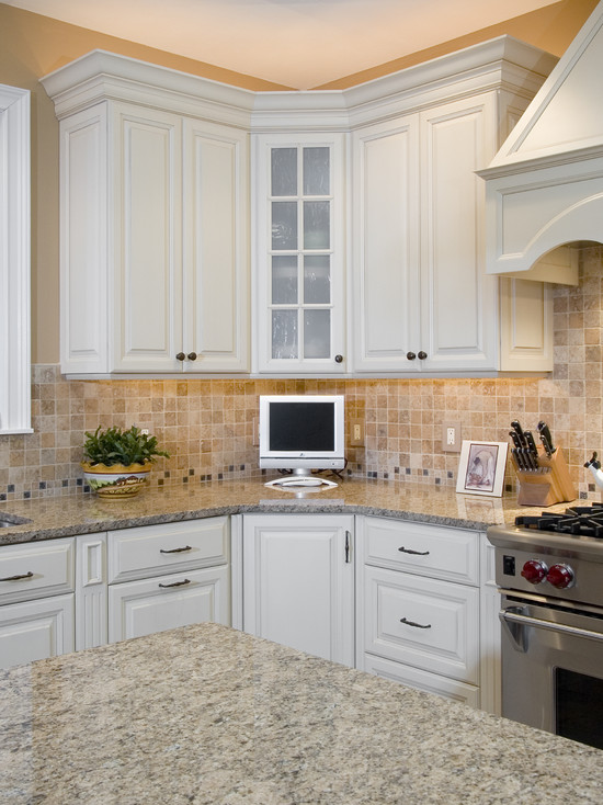 60 for Traditional home kitchens 2015