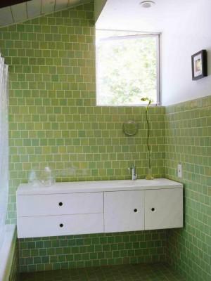 CI-Heath-Ceramics_Bathroom-Green-Tiles_s3x4.jpg.rend.hgtvcom.1280.1707
