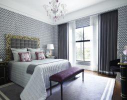 Окно в интерьере спальни