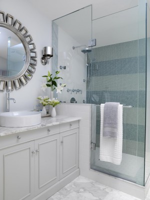 FLSRA204FL_main-bathroom_s3x4.jpg.rend.hgtvcom.1280.1707