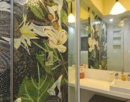 Мозаика в интерьере ванной комнаты