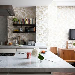 kitchen-wallpaper-ideas-open-plan-studio-flat