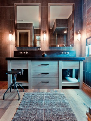 Original_Bathroom-Tile-Cortney-Bishop-Tiled-Walls_s3x4.jpg.rend.hgtvcom.1280.1707