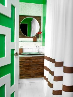 Original_Brian-Patrick-Flynn-Small-Bathroom-Bold-Colors_v.jpg.rend.hgtvcom.1280.1707