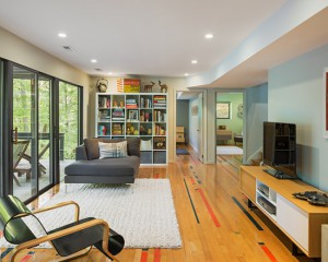 midcentury-family-room