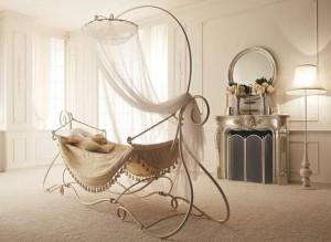 Charming-Wrought-Canopy-Bed-Amaka-by-Giusti-Portos-1-554x405