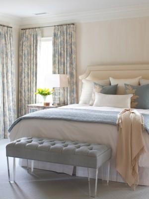 238158120e95fd90_1986-w550-h734-b0-p0--beach-style-bedroom